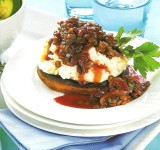 Field-Mushrooms-with-lentils-in-red-wine-sauce